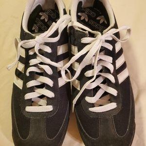 Adidas Dragon sneaker size 10